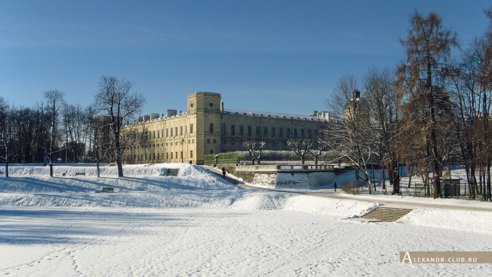Гатчинский дворец и терраса Собственного садика с Карпина моста