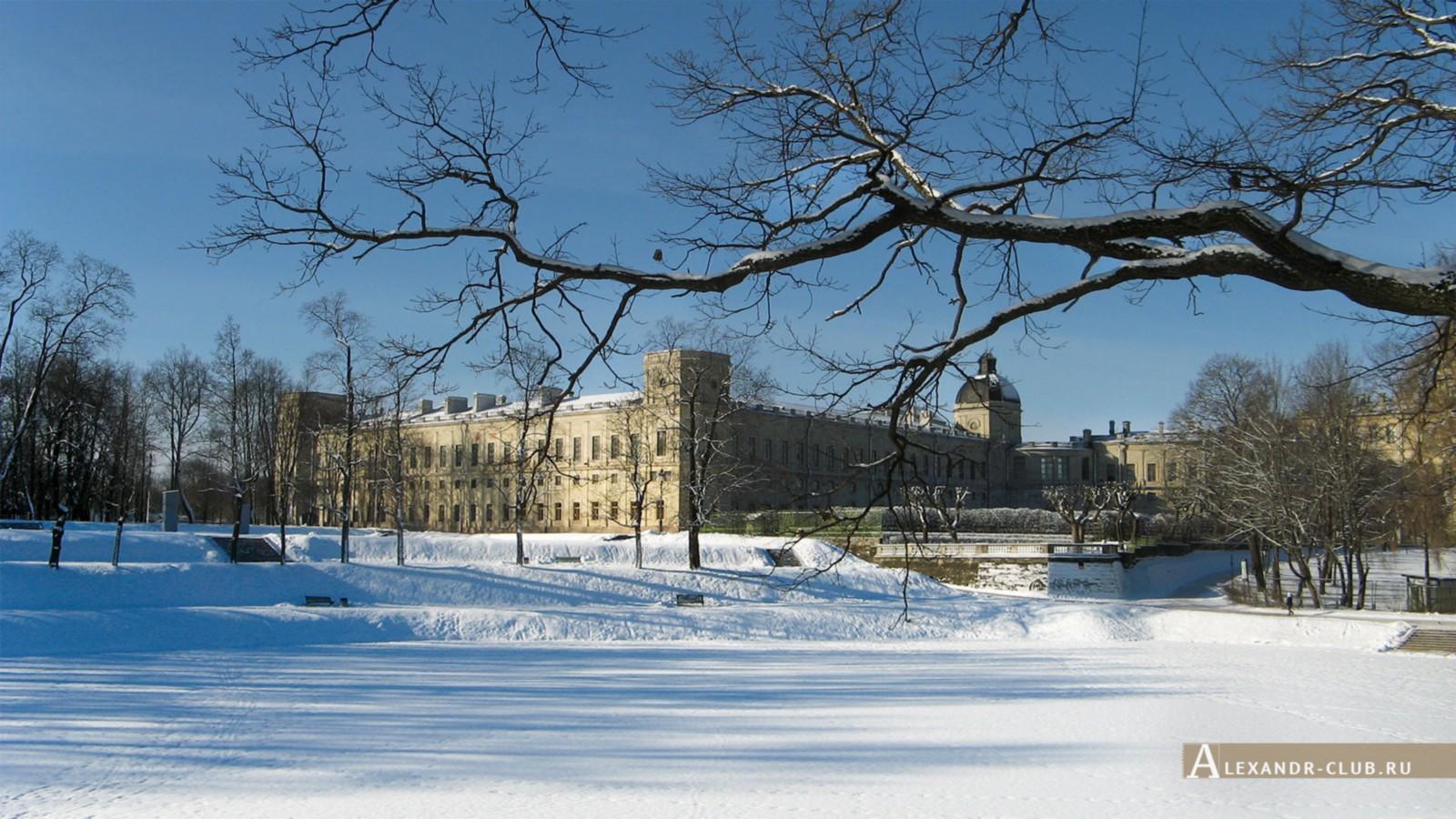 Вид на дворец со стороны Нижнего Голландского сада, Гатчинский парк