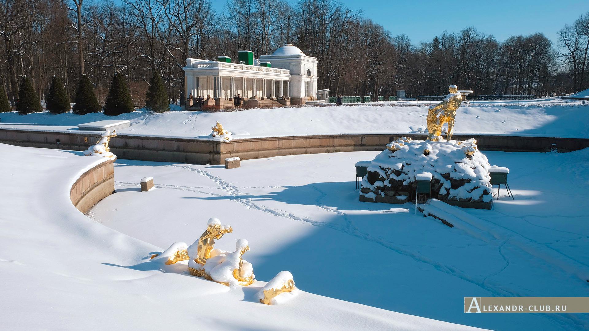 Петергоф, зима, Нижний парк, фонтан «Самсон» и Воронихинская колоннада