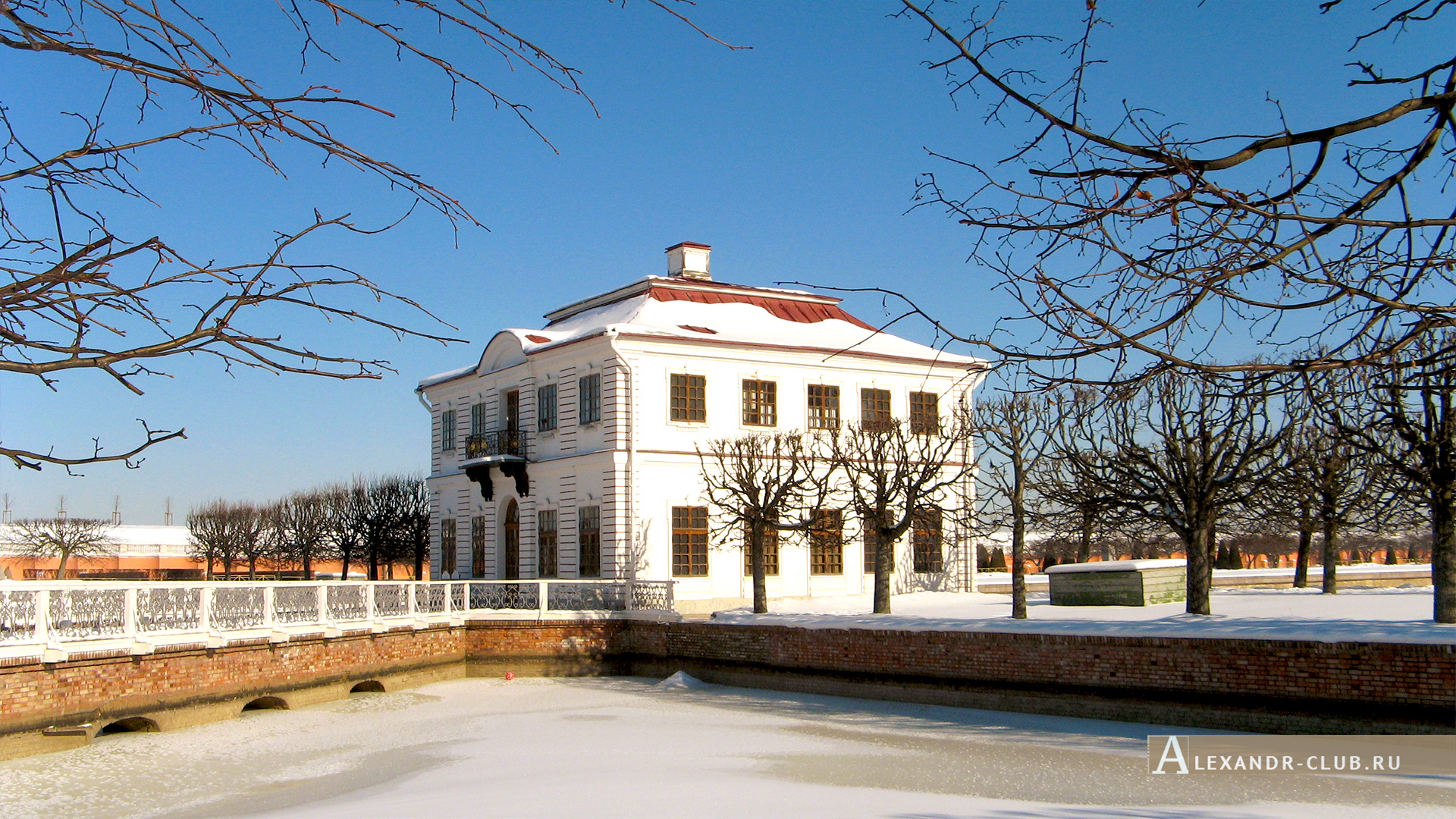 Петергоф, зима, Нижний парк, дворец Марли