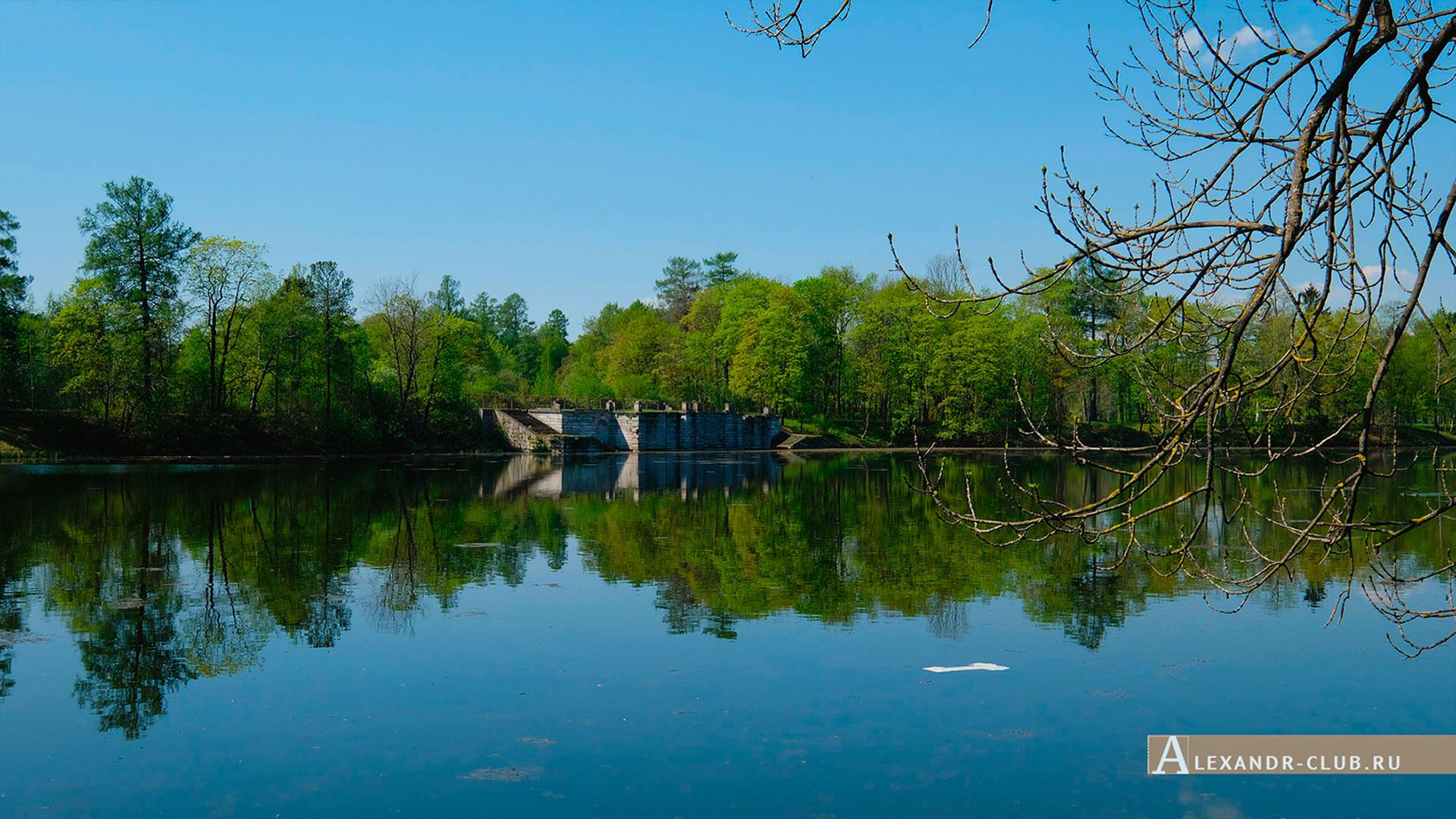 Гатчинский парк, весна, Белое озеро и Большая терраса-пристань