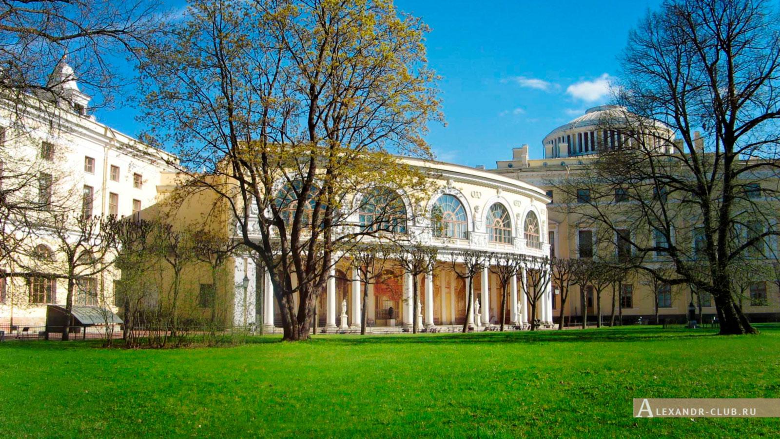 Павловский парк, весна, Павловский дворец – 1