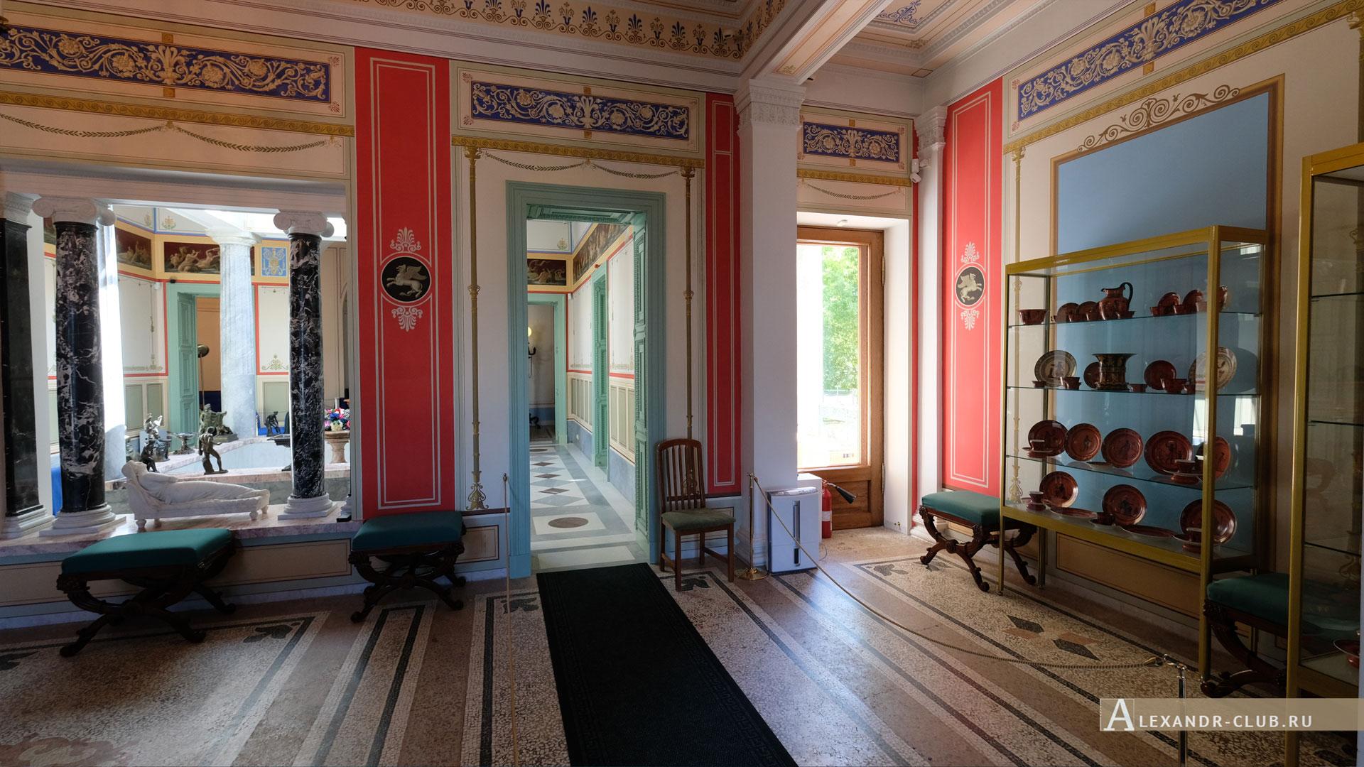 Петергоф, Колонистский парк, лето, Царицын павильон, гостиная