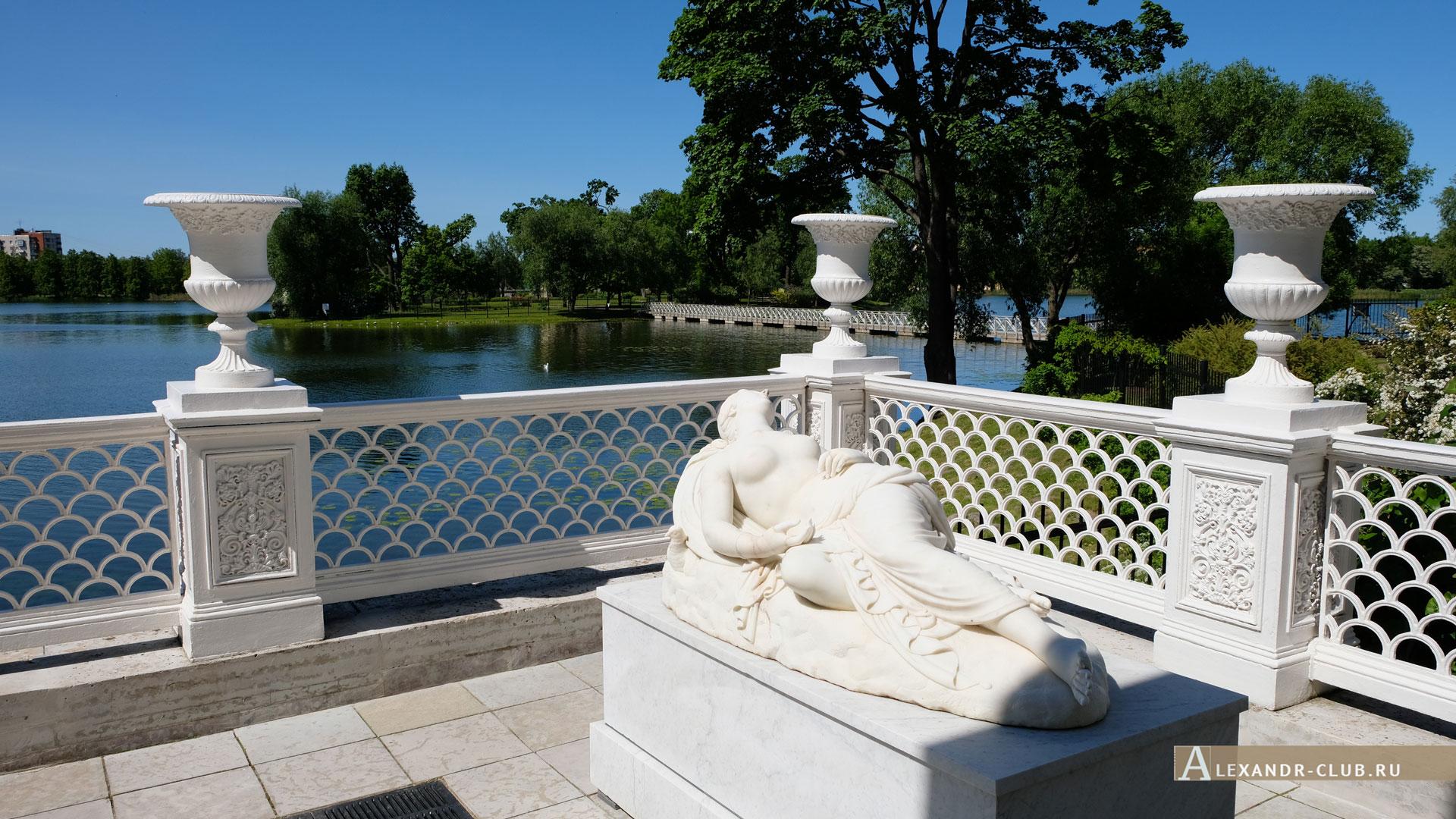 Петергоф, Колонистский парк, лето, Царицын павильон, терраса, «Спящая Венера»