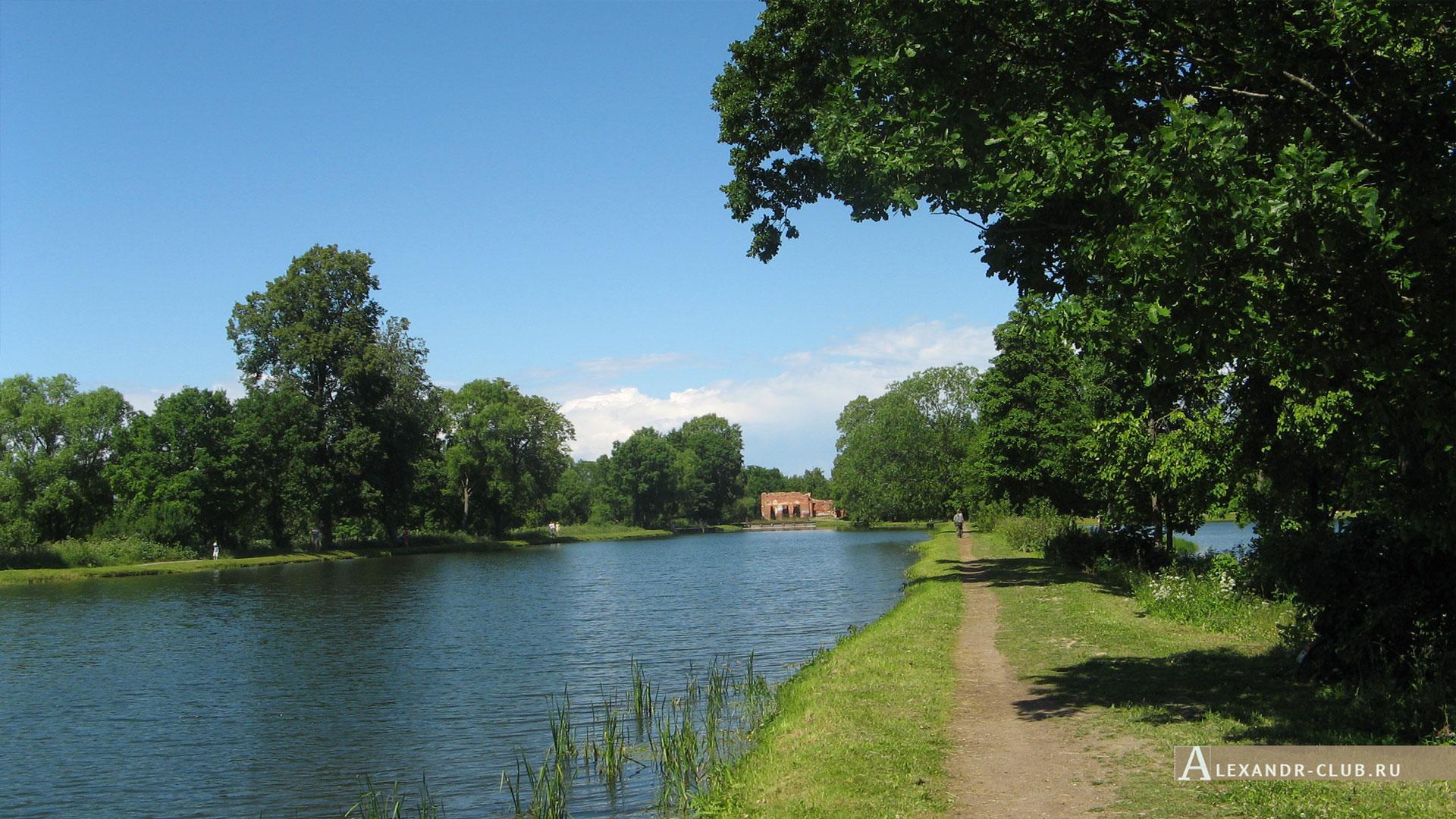 Петергоф, Луговой парк, лето, Старопетергофский канал и Розовый павильон