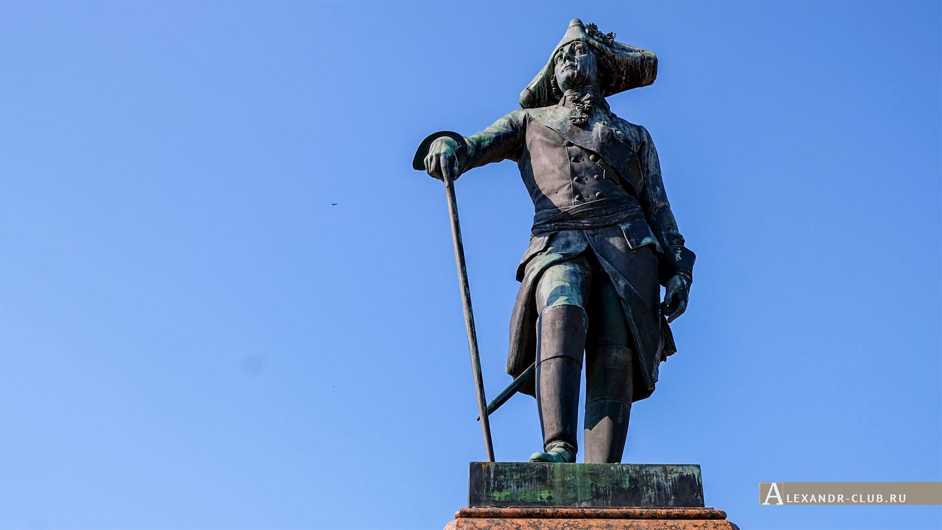 Гатчина, лето, Памятник Павлу I