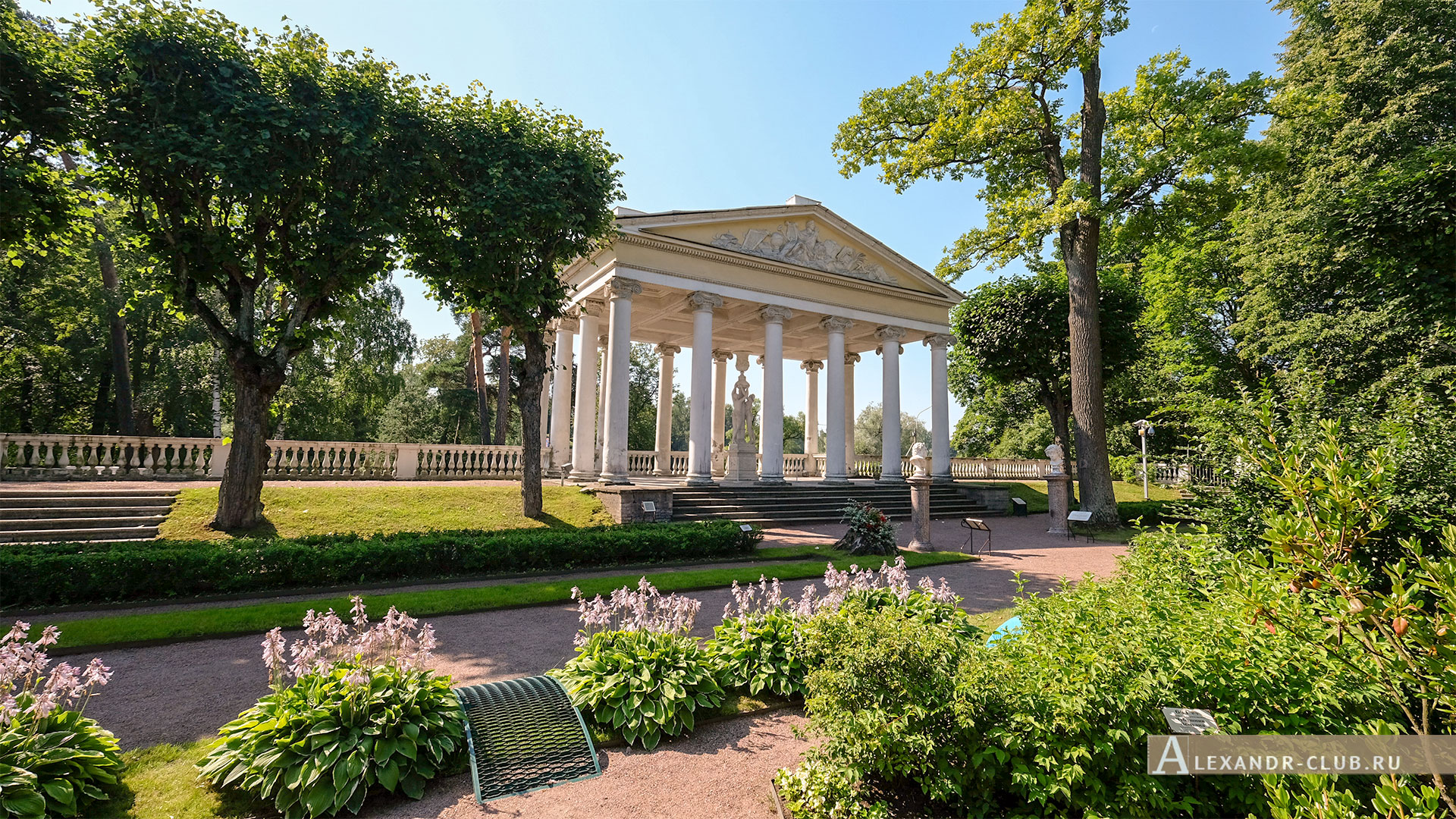 Павловск, лето, Большой Павловский дворец, Собственный садик, павильон Трех Граций