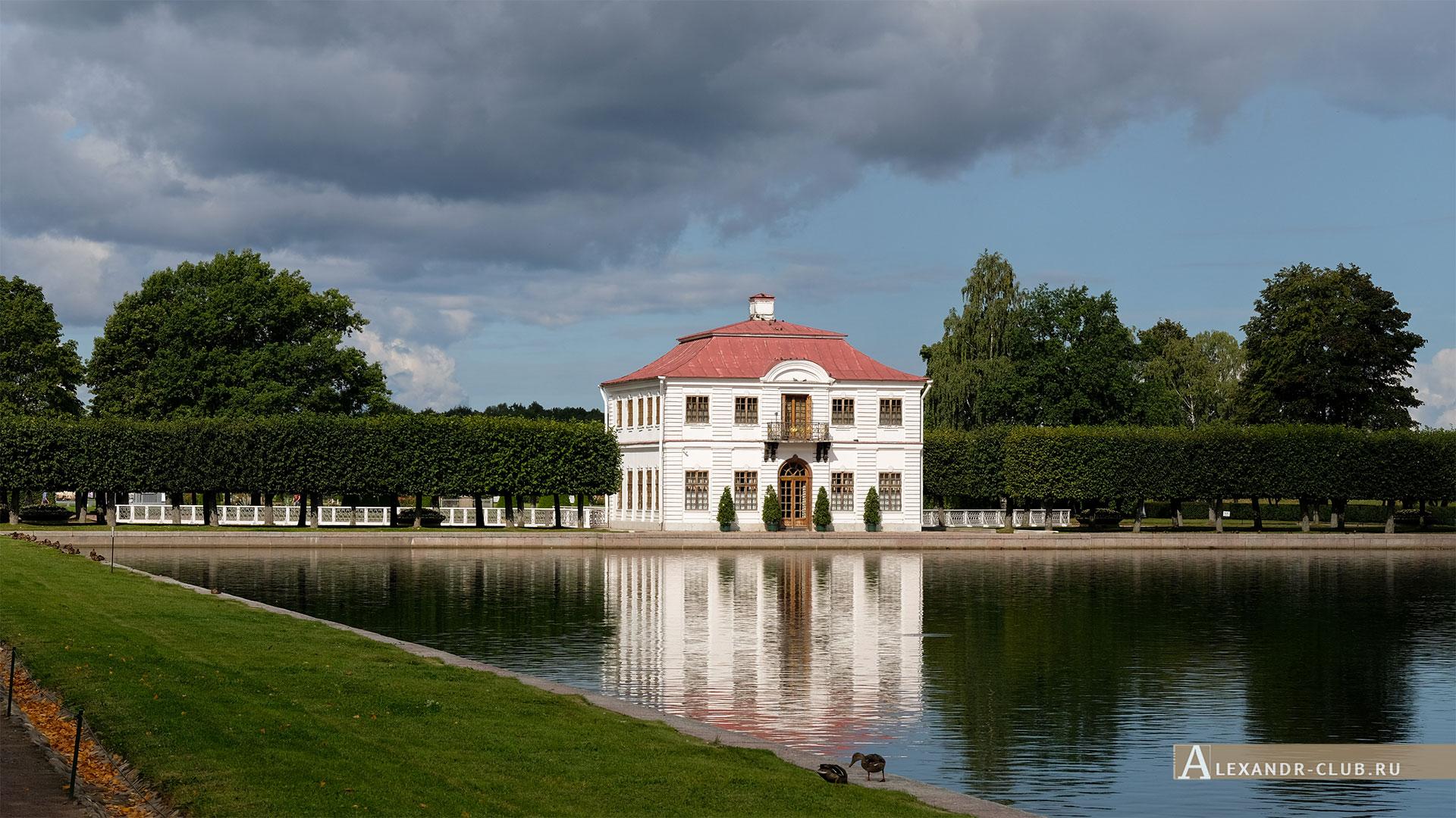 Петергоф, лето, Нижний парк, дворец Марли