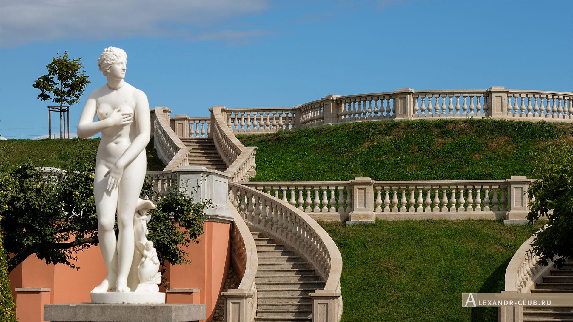 Петергоф, лето, Нижний парк, Марлинский вал, центральная лестница, Венера