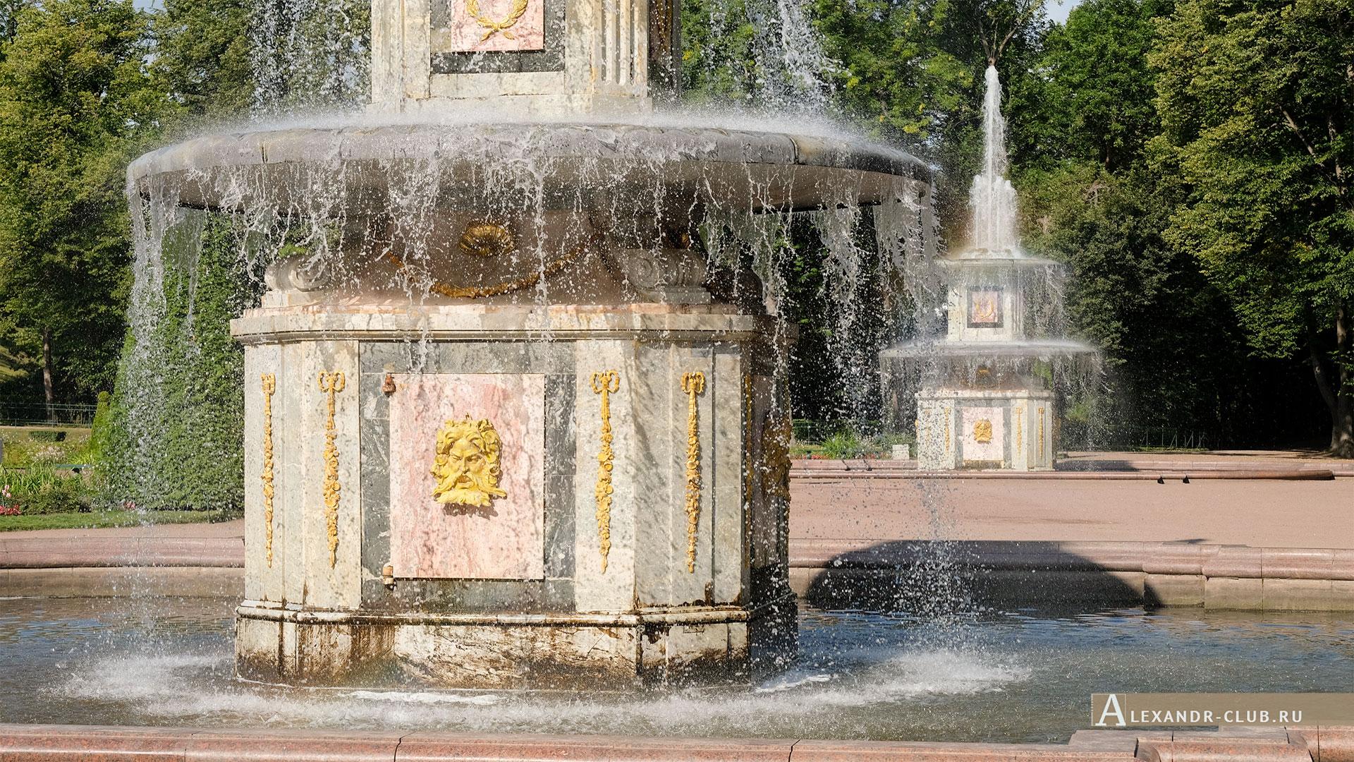 Петергоф, лето, Нижний парк, фонтаны «Римские»