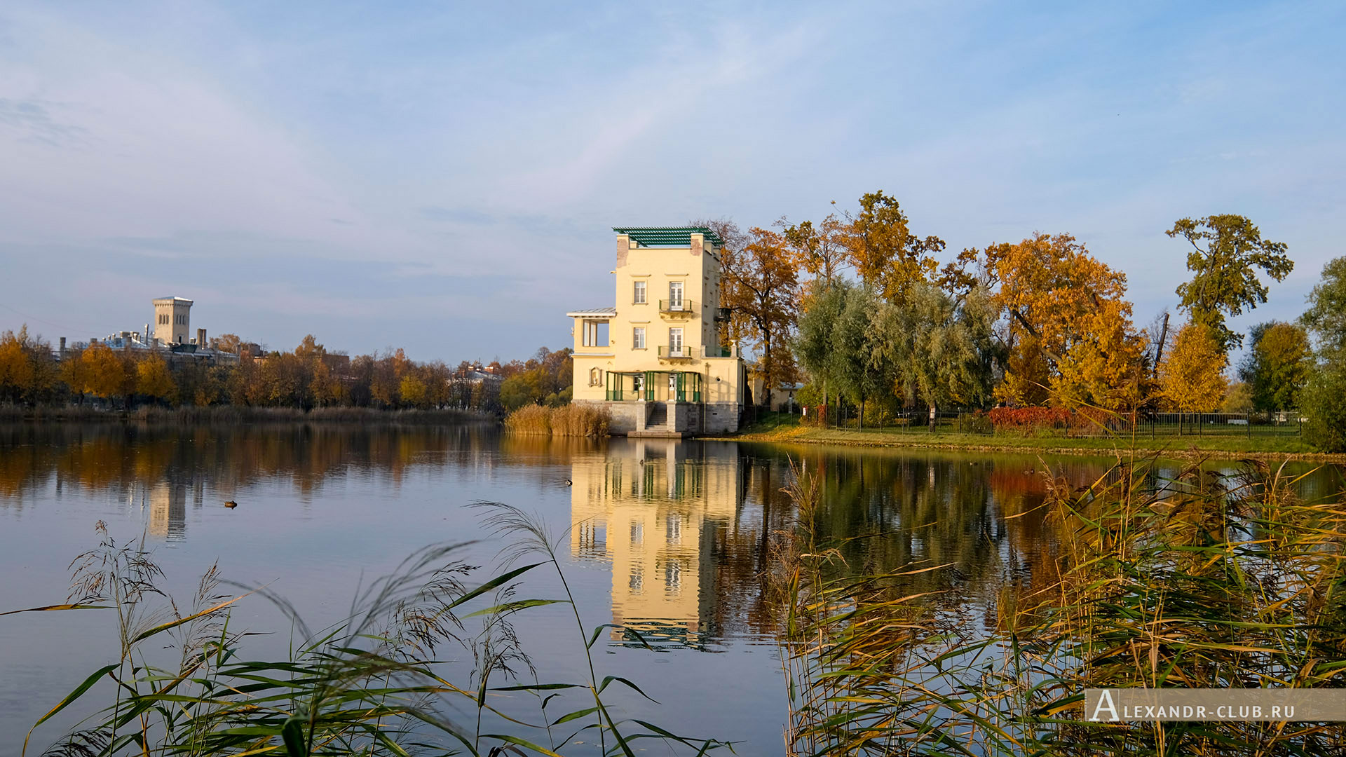Петергоф, Колонистский парк, осень, Ольгин павильон